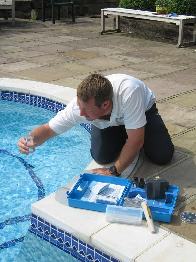 Basic pool chemicals and their uses for Swimming pool cleaning chemicals list